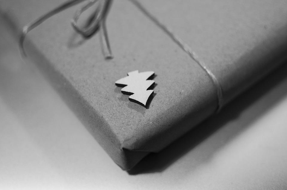 Ekstra julegaver – disse varer sparer du mest på ved onlinekøb
