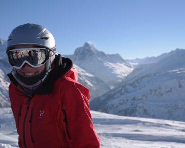 skier-999278_1280